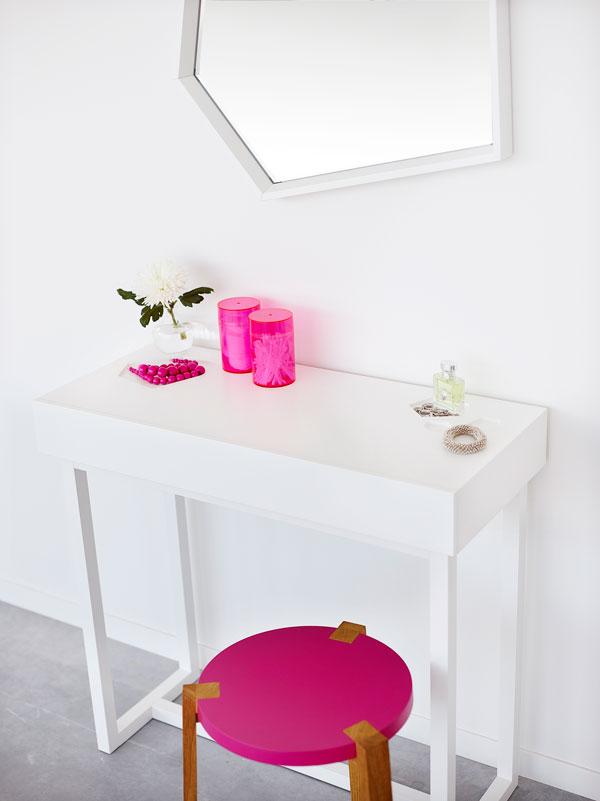 Sneak Peek Desk by A2 / A2 designers AB