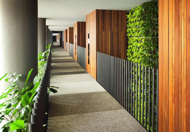 PARKROYAL on Pickering by WOHA - Naturally-ventilated guestroom corridor