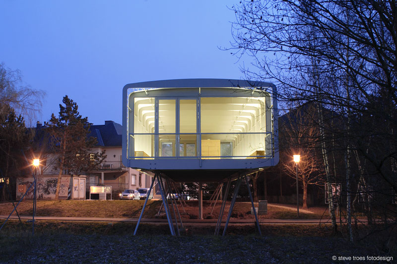 Building Economy Pavilion by Metaform architecture