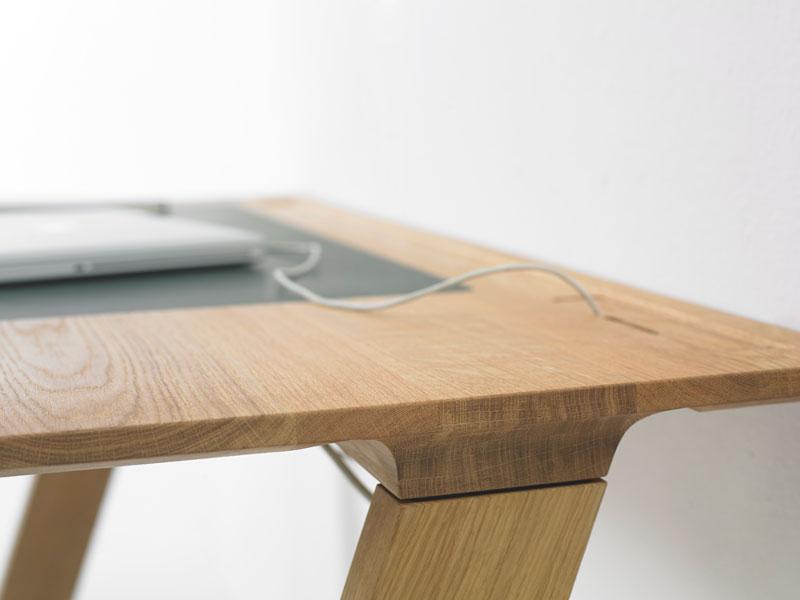 Joy Family - Zeta Table by Arco