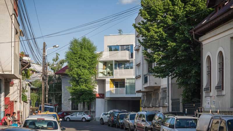 Dogarilor Apartment Building by ADN BA