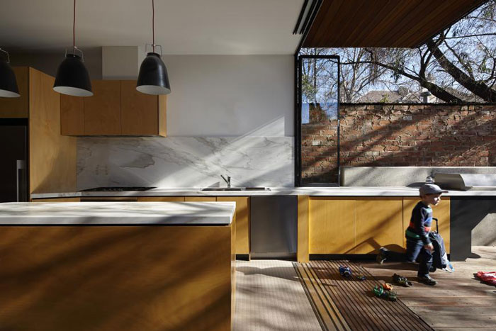 Andrew Maynard designs a 4.5m wide home in Australia