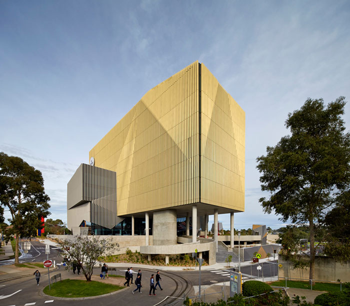 Burwood Highway Frontage Building at Deakin University by Woods Bagot