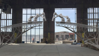 Robots 3D-printing bridge in Amsterdam - MX3D