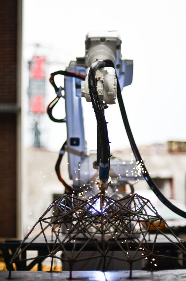 3D printed robot used by MX3D in printing bridge in Amsterdam