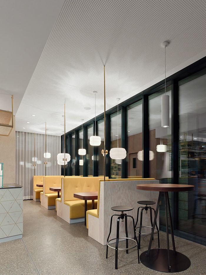 Café Pause by Ippolito Fleitz