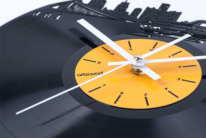 New Life of Vinyl Clock by ArtZavold