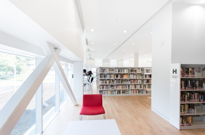 Saul-Bellow Library by Chevalier Morales Architectes