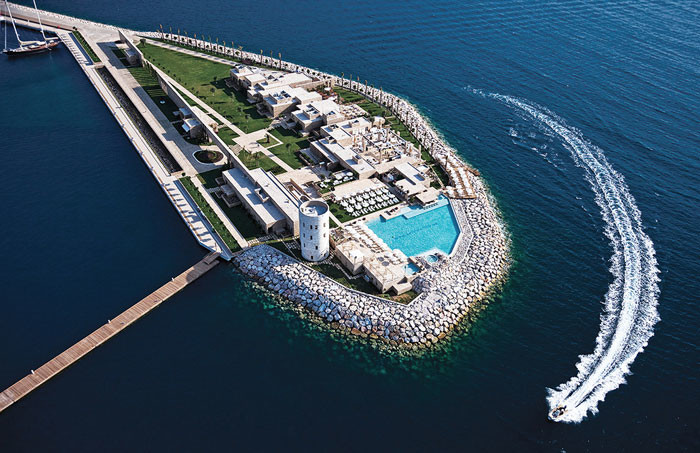 Yalikavak Marina Complex by Emre Arolat Architects
