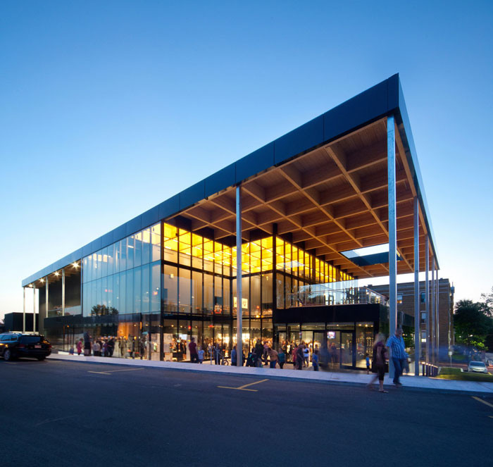 Mont-Laurier multifunctional theater by Les architectes FABG