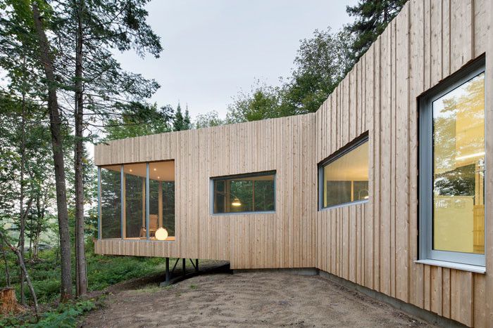 House on Lac Grenier by Paul Bernier Architecte