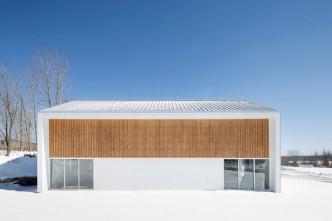 La Taule Sports Center by Architecture Microclimat