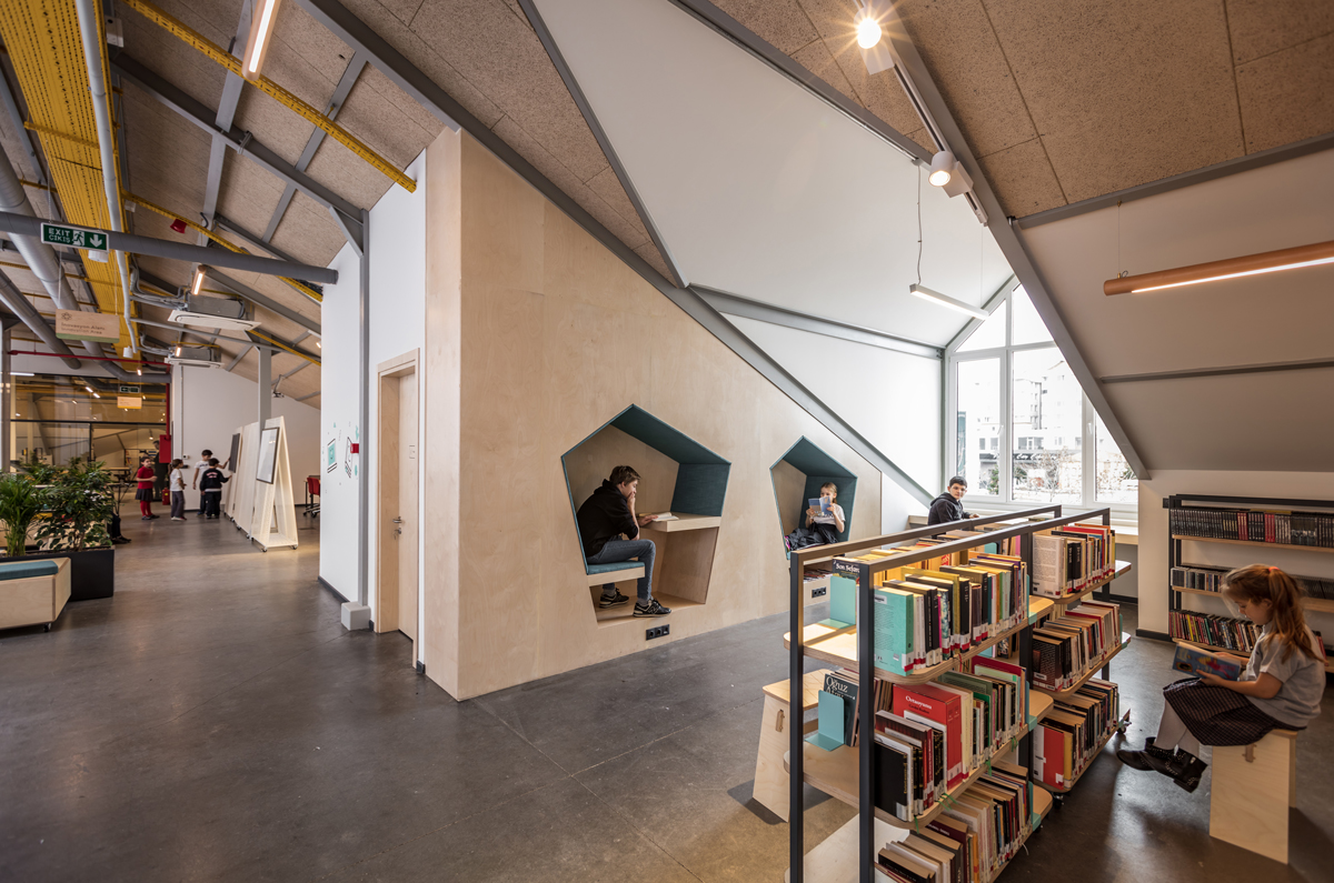 The Private Sezin School Open Roof Space by ATÖLYE adopts unique concept